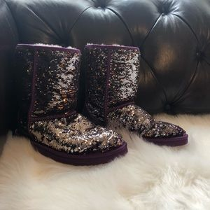 Good condition color changing purple UGGs